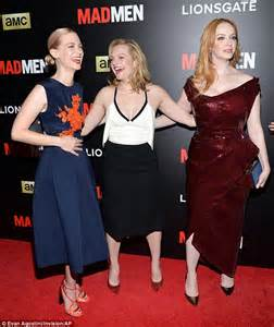 elisabeth moss mom elisabeth moss flashes cleavage at mad men screening in