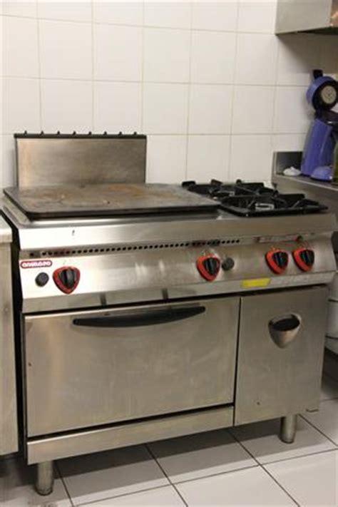 mat駻iel de cuisine professionnel piano de cuisine occasion dimension piano cuisson