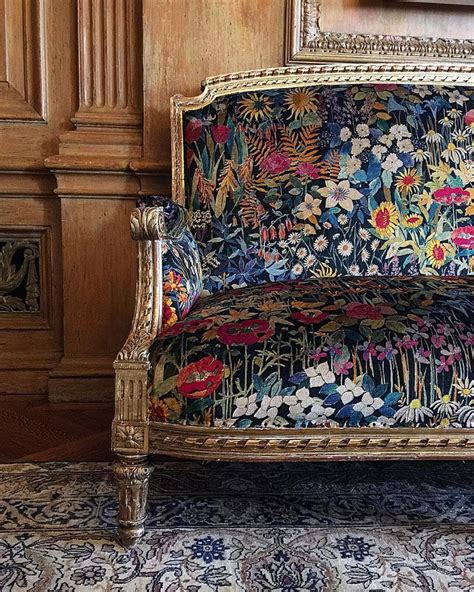 floral print fabric sofas best 25 floral couch ideas on pinterest floral sofa