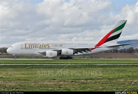 emirates glasgow a6 eet emirates airlines airbus a380 at glasgow photo
