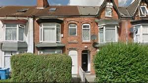 Why Did Found Hull House by Hull Uk Appeal For Information As 2 Bodies Found In House Garden