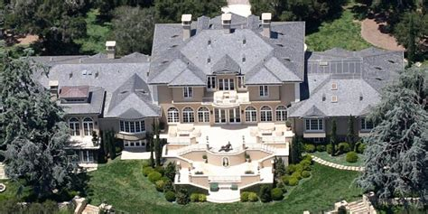 famous people houses burned 10 luxurious celebrity homes with outrageous features