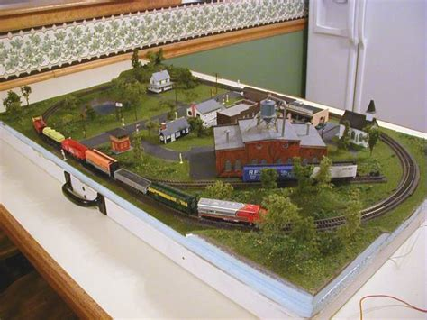 layout n scale ho train section layouts