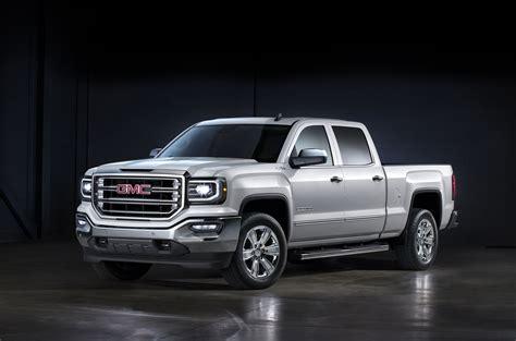 2017 gmc sierra vs 2017 ram 1500 compare trucks