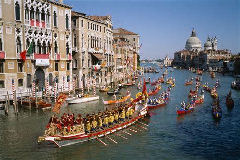 calendar  festivals    venice italy