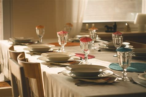 how to properly set a dinner table how to properly set a formal table for a dinner