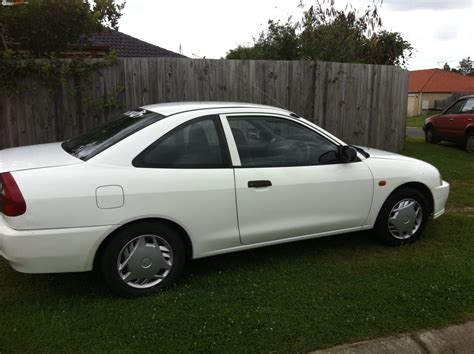 Mitsubishi Lancer Fiore 1 5 1999 Auto Images And