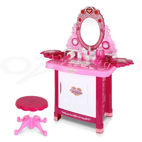 30 pretend dressing table make up