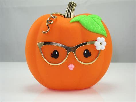bath works pumpkin pocketbac holder looks like an