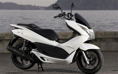 Motorrad Mieten Olbia by 2015 Honda Pcx 125 Scooter Rental In Sardinia Olbia Italy