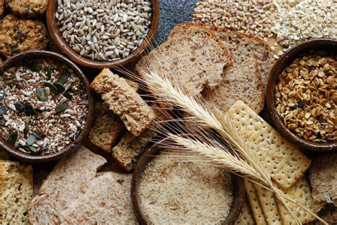 whole grains with fiber soluble and insoluble fiber differences and benefits