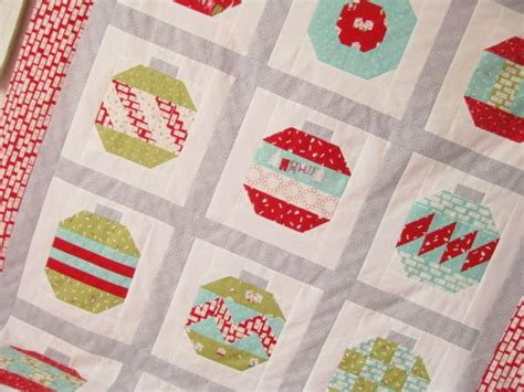 vintage holiday pattern vintage holiday quilt top done comfortstitching