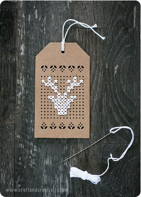 cross tags broderade juletiketter cross stitch tags craft creativity pyssel