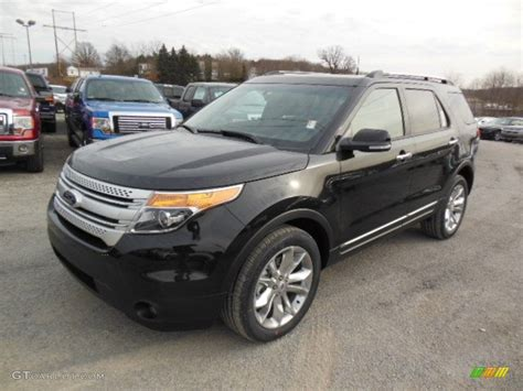 Ford Explorer Xlt 2013 by Tuxedo Black Metallic 2013 Ford Explorer Xlt 4wd Exterior