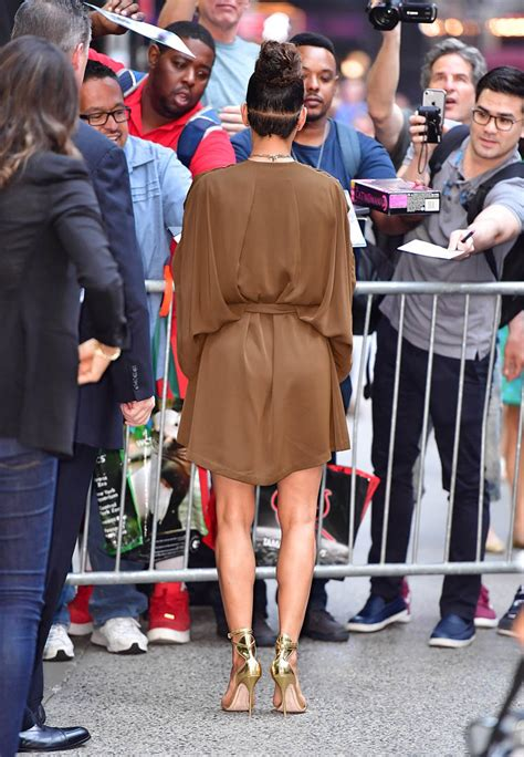 Halle Berry On The Set Of Morning America by Halle Berry Looks Great In A Top Knot While Promoting