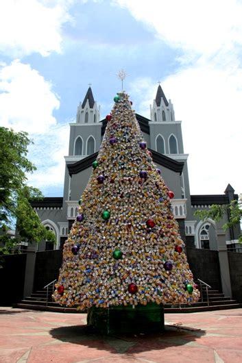 Tree Pohon Natal Bunga 1 2 Meter Termurah S Diskon pohon natal tak perlu mewah cukup barang bekas yang bisa untuk pemulung pen katolik