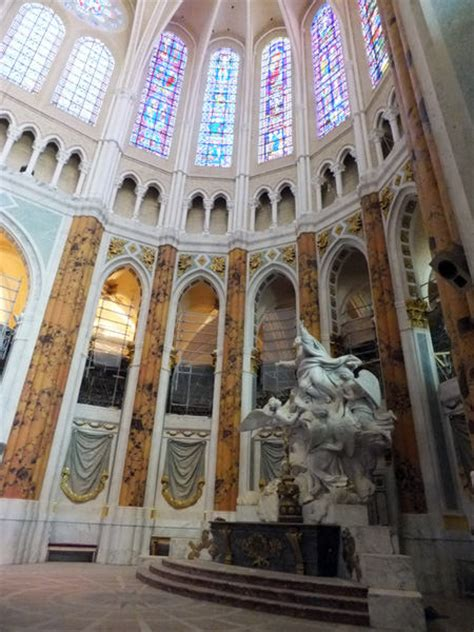A Scandalous Makeover at Chartres   by Martin Filler   NYR