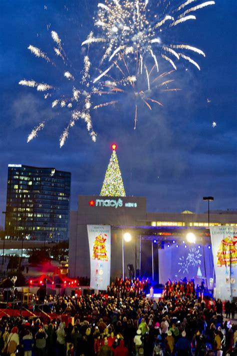 christmas tree atlanta photos macy s great tree lighting at lenox square mall