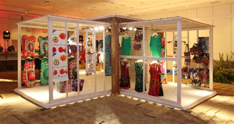 pop up house usa desigual to showcase the happybox pop up concept in orlando