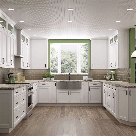White Shaker Kitchen Cabinets by Best 25 White Shaker Kitchen Cabinets Ideas On