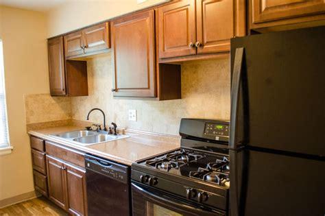 Apartments Kansas City Reviews The Roanoke Apartments Reviews Kansas City Mo United