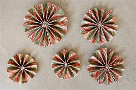 Home Made Christmas Decorations Diy Paper Christmas Ornaments Diy Inspired