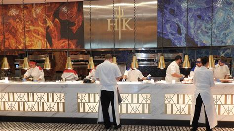 Kitchen Las Vegas by Gordon Ramsay S Newly Opened Hell S Kitchen Restaurant In