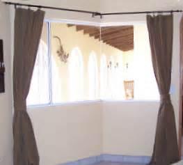 Easy drapery pattern for corner window