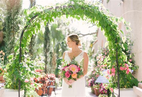 florida botanical gardens wedding lush selby botanical garden wedding in beautiful berry shades