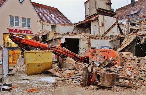 veil schorndorf spektakul 228 rer unfall im rems murr kreis abriss bagger