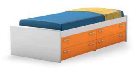 letti attrezzati letti con cassetti e cassettoni