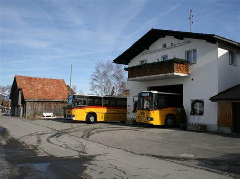Rj Garage by Beide Naw R J Sonnen Sich Vor Der Garage Pah Riederer