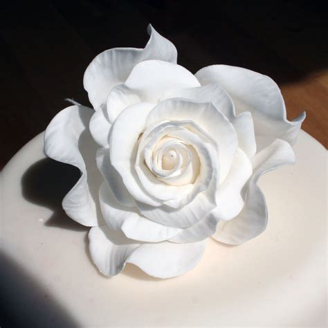 Handmade Sugar Roses - sugarcraft flowers wedding cakes edinburgh scotland