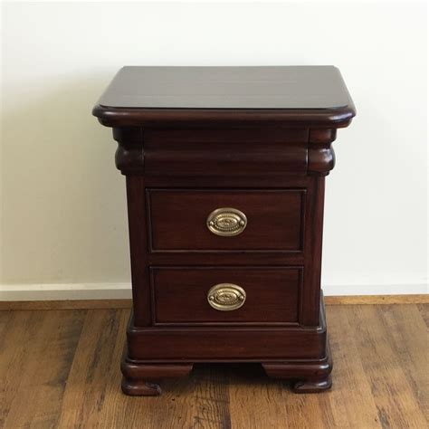 solid mahogany bedroom furniture solid mahogany wood vanessa low bedside table antique