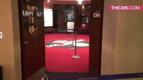 heat room miami heat locker room tour with alonzo mourning cell phone footage