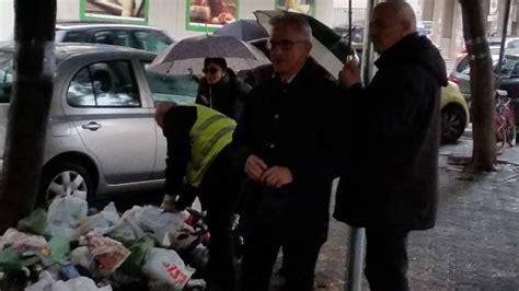 polizia stradale salerno ufficio verbali sacchetto selvaggio continua l offensiva comunale