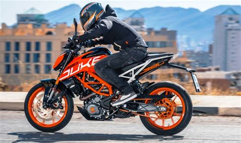 Ktm Duke 390 New 2017 Ktm Duke 390 India Launch Live Live