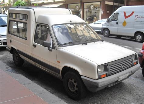 file renault express front jpg wikimedia commons