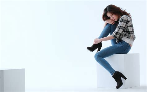creative wallpaper girl jeans woman sitting jeans high heels wallpaper girls