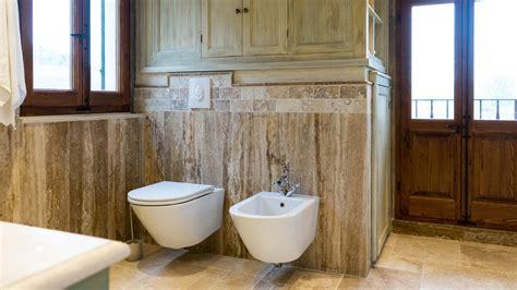 bagno travertino rivestimenti in travertino per bagno pietre di rapolano