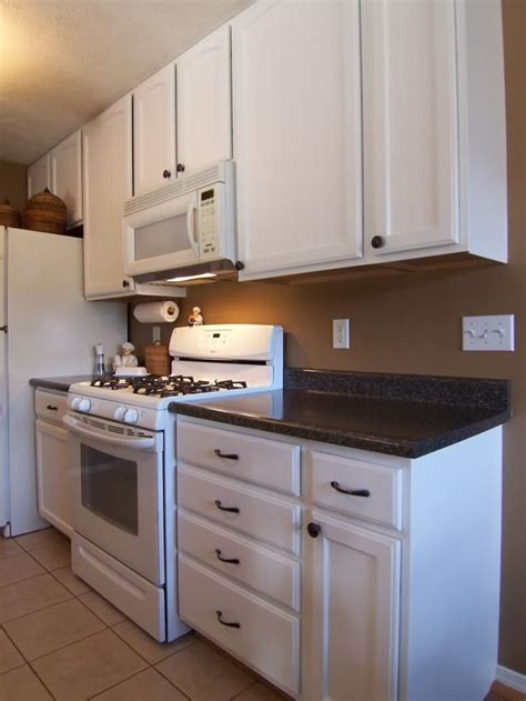 how to paint oak cabinets white without grain showing 110 best images about kitchen possibilities on pinterest