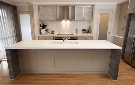 how do you hang kitchen cabinets 100 kitchen cabinet suppliers how do you hang