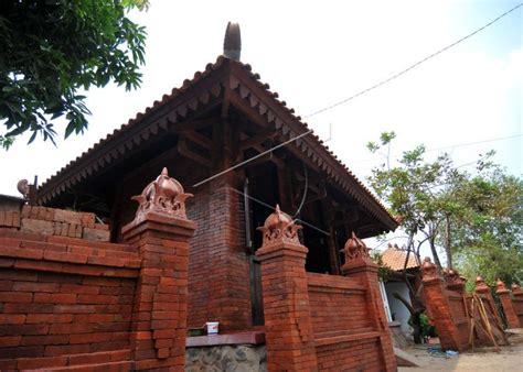 kampung majapahit sebagai simbol pelestarian budaya oleh pemkab mojokerto newswantaracom