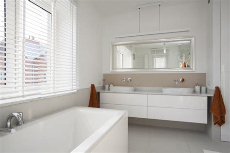 plafond badkamer betegelen badkamer schilderen tips inspiratie interieurdesigner