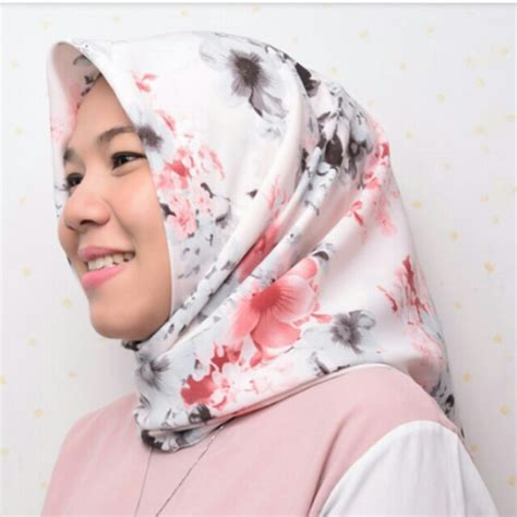 Kerudung Square Katun Rawis jual square saudia krd tierack motif baru jilbab