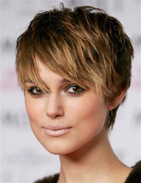 coupe de cheveux court a la mode