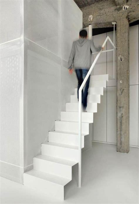 handlauf metall 55 treppen designs die als skulpturen im raum wirken