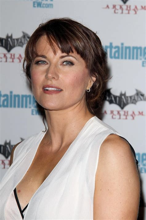 lucy lawless the office lucy lawless at entertainment weekly s 5th annual comic