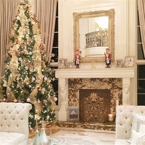 reality stars show   holiday decor