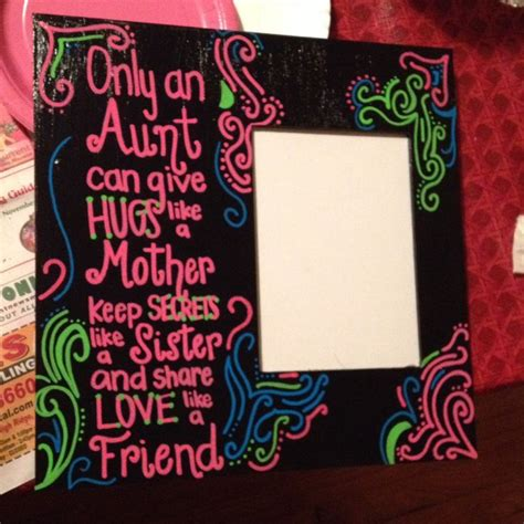picture frame as a present for your aunt using paint pens